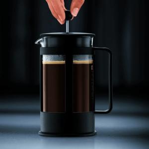 la cafetière à piston est relativement petite et donc facilement transportable pour les voyages. Faites le test pour en être convaincu