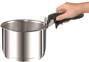 La casserole vient avec une poignée démontable. Une fonctionnalité pratique et innovante. Faites le test !