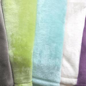 Avant de vous lancer et de faire le test, sachez que les couvertures bébés faites en fibres naturelles laissent plus facilement passer l'air et sont souvent plus confortables.
