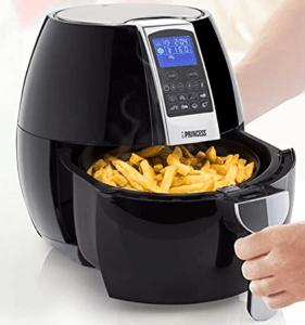 Plus saine, cette friteuse vous permet également de faire griller, rôtir et cuire vos plats préférés. Faites le test sans plus attendre !
