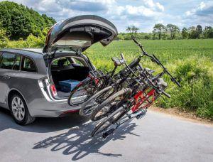 Porte vélo pour véhicule pouvant supporter quatre vélo