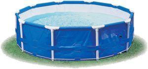 Intex revient une fois de plus avec une piscine hors sol circulaire