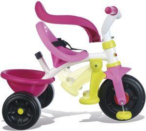 Certains tricycles conviennent aux bébés à partir de neuf mois.