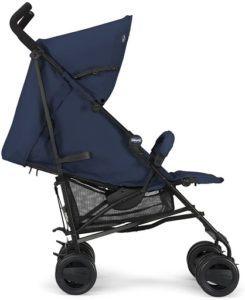 Poussette pour bébé pratique adaptée aux sorties en ville.