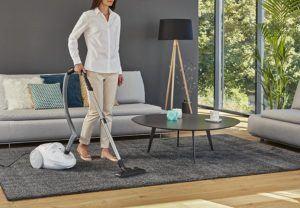 L'aspirateur à sac de Moulinex convient aussi pour les tapis.