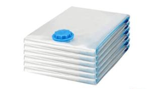 Un sac de rangement sous-vide est constitué de polymères à la fois robustes et flexibles, qui sont meilleurs pour s'ajuster aux vêtements, et autres objets contenus selon l'avis des experts