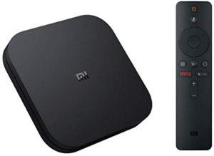 La box tv de Xiaomi est livrée avec sa télécommande sans fil