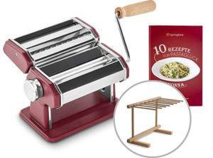 La machine à pâtes, manuelle ou électrique, est omniprésente dans nos foyers.