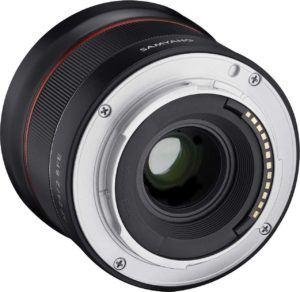 Objectif pour appareil photo capable de faire des prises en grand angle.