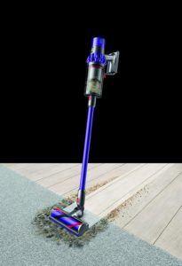 Un aspirateur balai sans fil efficace sur plusieurs surfaces.