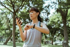Une montre gps vous permet de suivre votre itinéraire