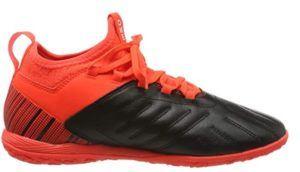 Cette chaussure possède une doublure en textile et une excellente stabilité