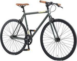 Un modèle de vélo VTC sportif