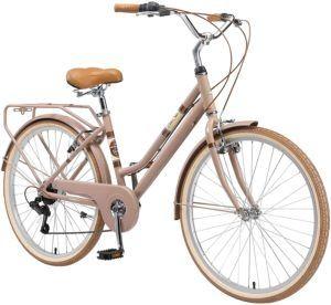 """Le style """"girly"""" de ce vélo VTC en séduira sans doute plus d'une"""
