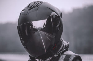 Les casques contribuent à 37% à la sécurité du motard.