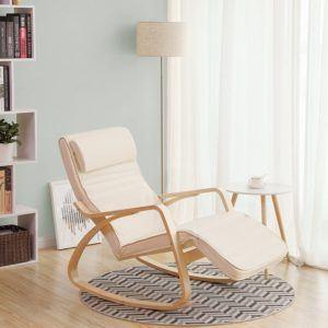 Ce fauteuil allaitement à bascule sert de chaise berçante avec un repose-pied réglable
