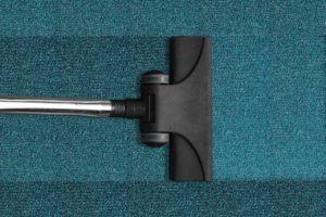 Les balais vapeur sans fil ont la capacité d'éradiquer plus de 95% des microbes traînant sur les surfaces.