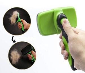 Cette brosse permet d'enlever les poils mort sur votre chien