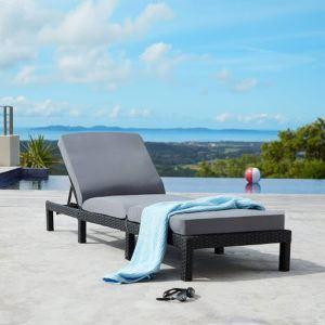 Le bain de soleil est souvent synonyme de vacances