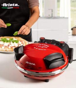 Ce four à pizza peut atteindre des températures à 400°.