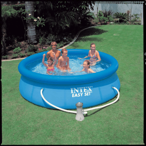 C'est une piscine autoportée moins chère